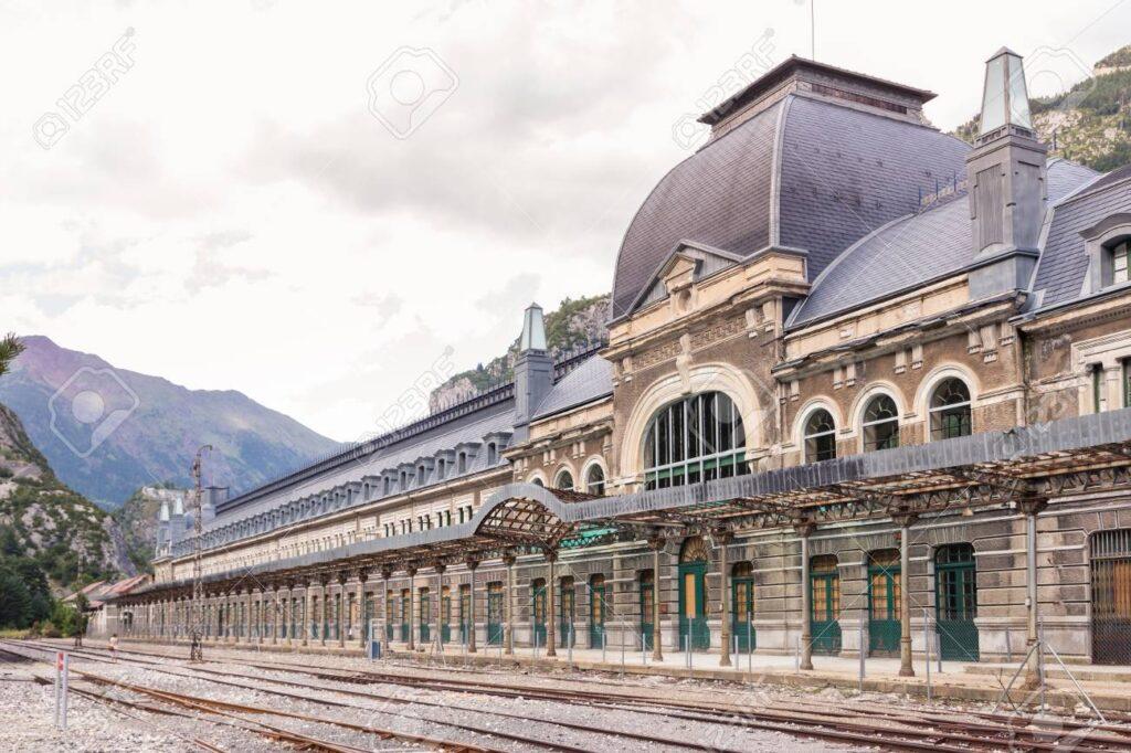 Billede af Canfranc International Railway Station fra Wikipedia